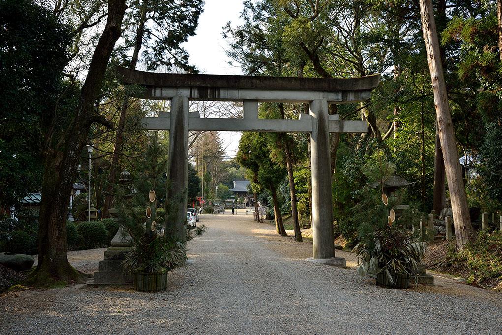 大和神社二の鳥居