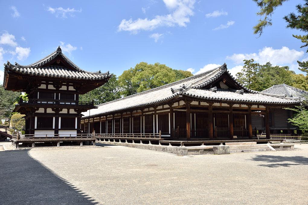 唐招提寺鼓楼と礼堂